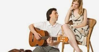 119 Daftar Lagu Barat Romantis Paling Menyentuh Hati