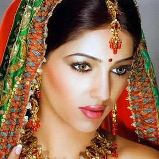 Traditional Bridal Makeup Looks : Traditional Indian Bridal Makeup