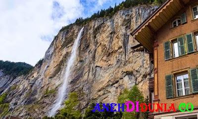 Lembah Yang Memiliki 72 Air Terjun