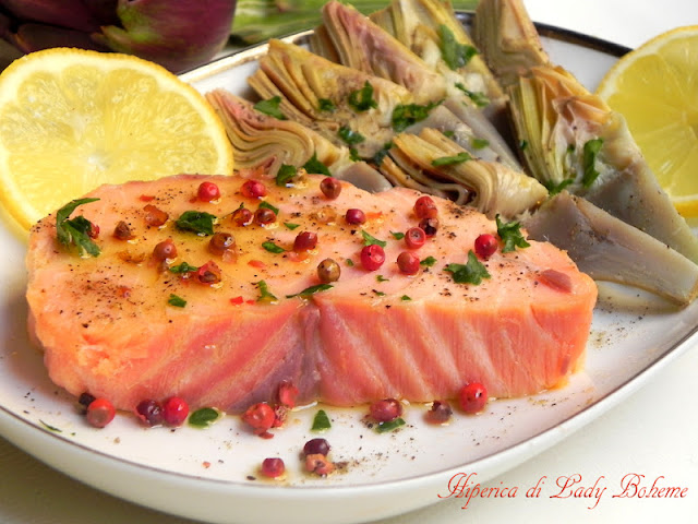 hiperica_lady_boheme_blog_di_cucina_ricette_gustose_facili_veloci_salmone_al_pepe_rosa_con_carciofi_marinati_4