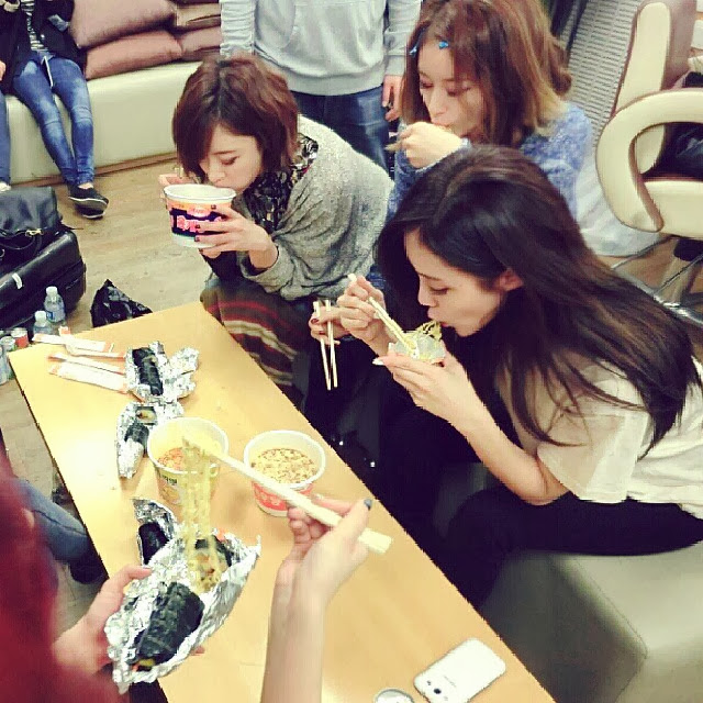 T-aras jiyeon, hyomin, and eunjung are setting out to visit a cemeteryjiyeon and eunjung have starred in death