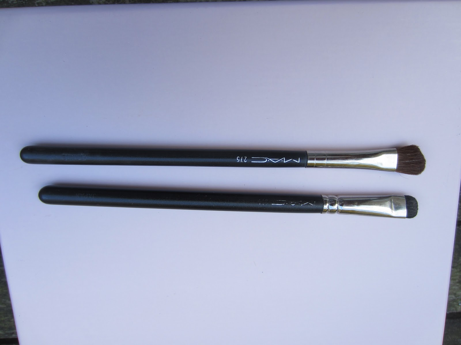 mac 239 brush. 2 random mac eye shadow brushes i own are the mac 275, which is an angled shader brush, and 214 short brush. rarely reach for these 239 brush