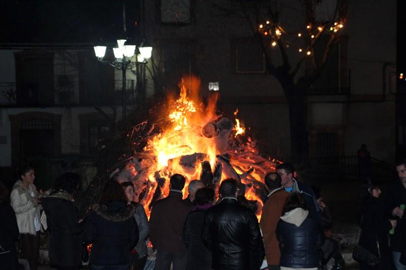 Lumbre de los Quintos en Parrillas. Nochebuena 2013