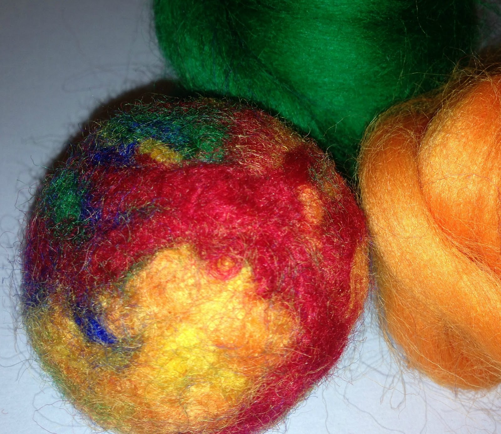 how to make wool felted balls pincushions the tiptoe fairy. Black Bedroom Furniture Sets. Home Design Ideas
