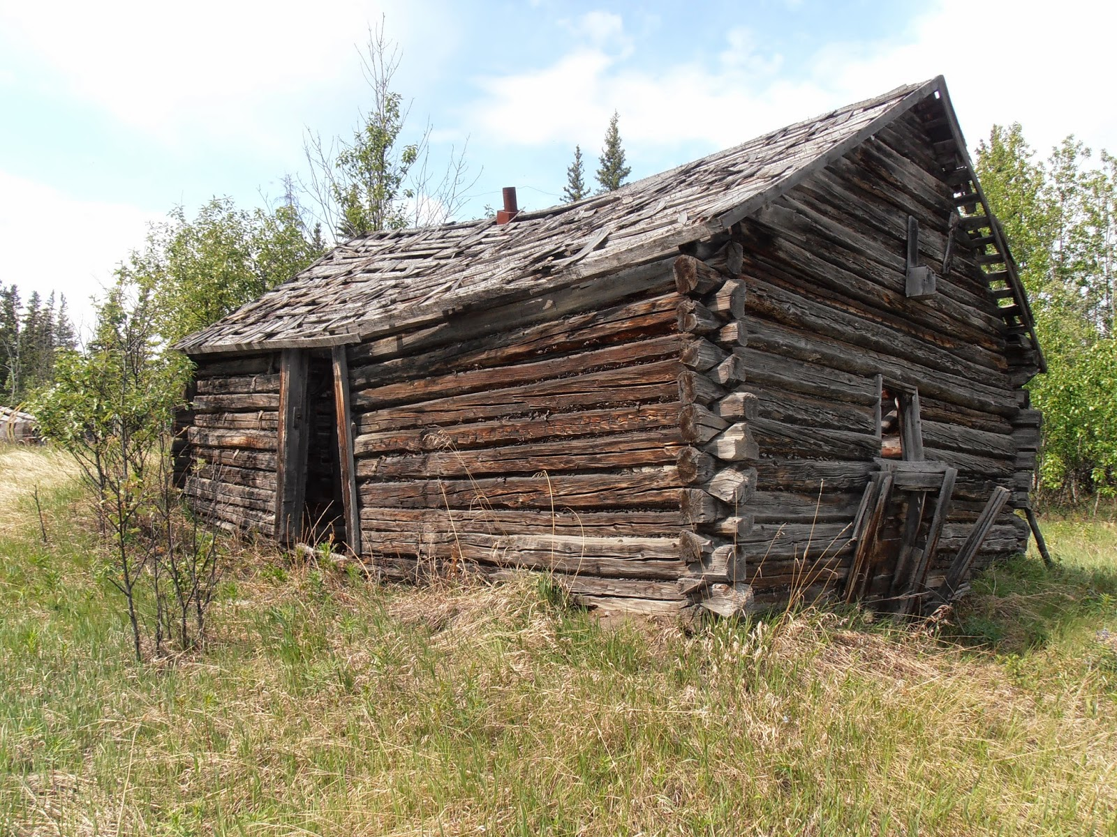 Bearfoot Guides Insight: Saving Alaskau0027s Historic Log Cabins: The First  Step Is A Sturdy Roof