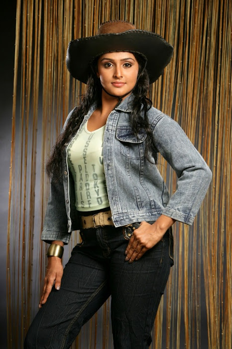 remya nambeesan spicy unseen pics