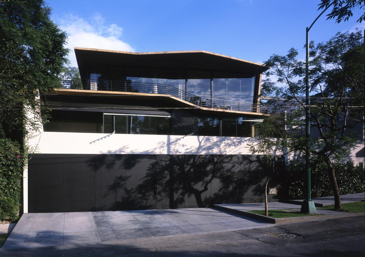Neocribs modern single family house design alpes house for Modern house design rules