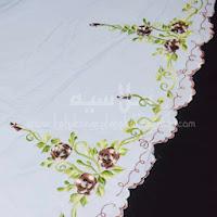 Telekung Vietnam bunga coklat-putih / daun hijau sulam bunga timbul