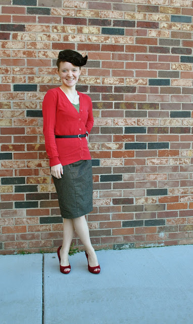 Flashback Summer- Class Christmas Party outfit, 1950s vintage style