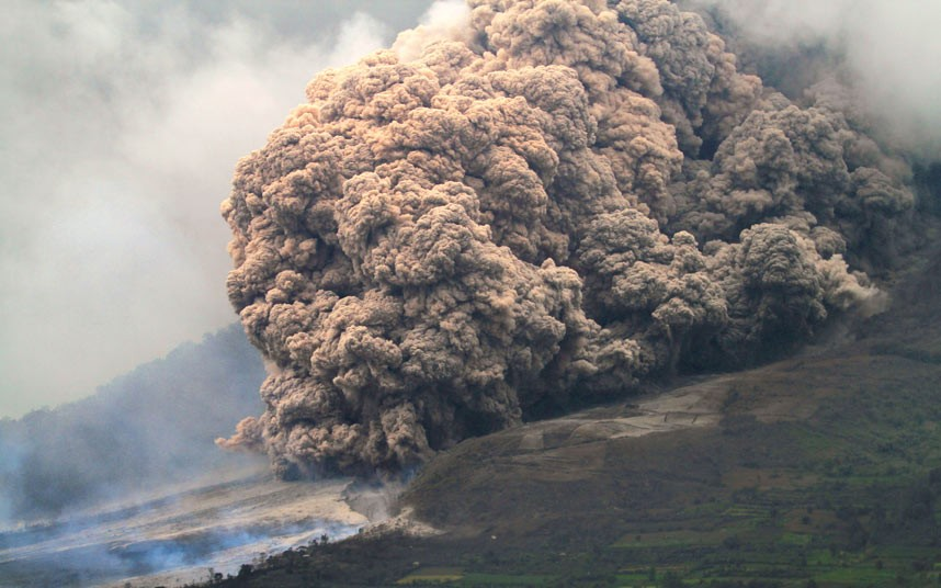 Mount Sinabung Volcano North Sumatra Kills Three After It Blasted Ash 3 Kilometers Into The Sky Sat