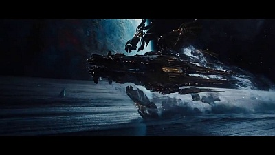 Jupiter Ascending (Movie) - TV Spot 'Alien' - TV Spot - Screenshot