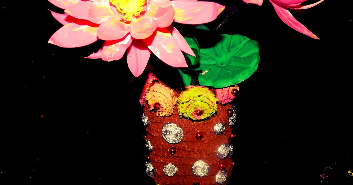 Creative diy crafts recycled diy flower vase made with for Handmade flower vase with waste material