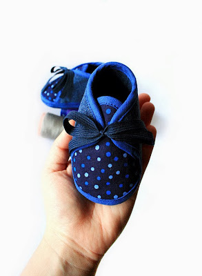 https://www.etsy.com/listing/123215903/navy-blue-dotted-jeans-baby-booties?ref=favs_view_8
