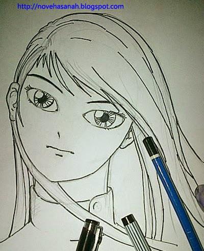 ganti garis pensil dengan pulpen, dan tebalkan bagian-bagian yang diperlukan. Hapus bekas pensil untuk melanjutkan ke pewarnaan