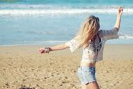 La felicidad es la certeza de no sentirse perdido.
