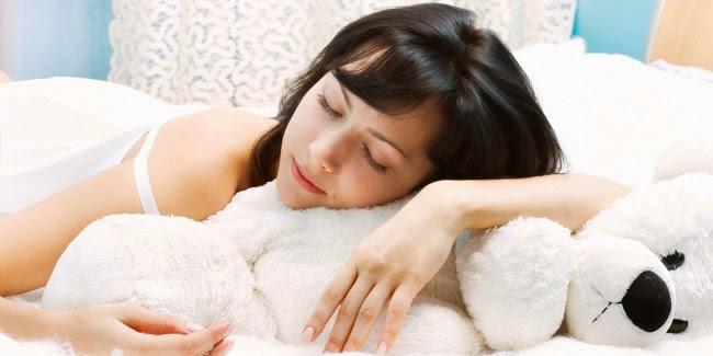 Wanita Haid Tidur Siang