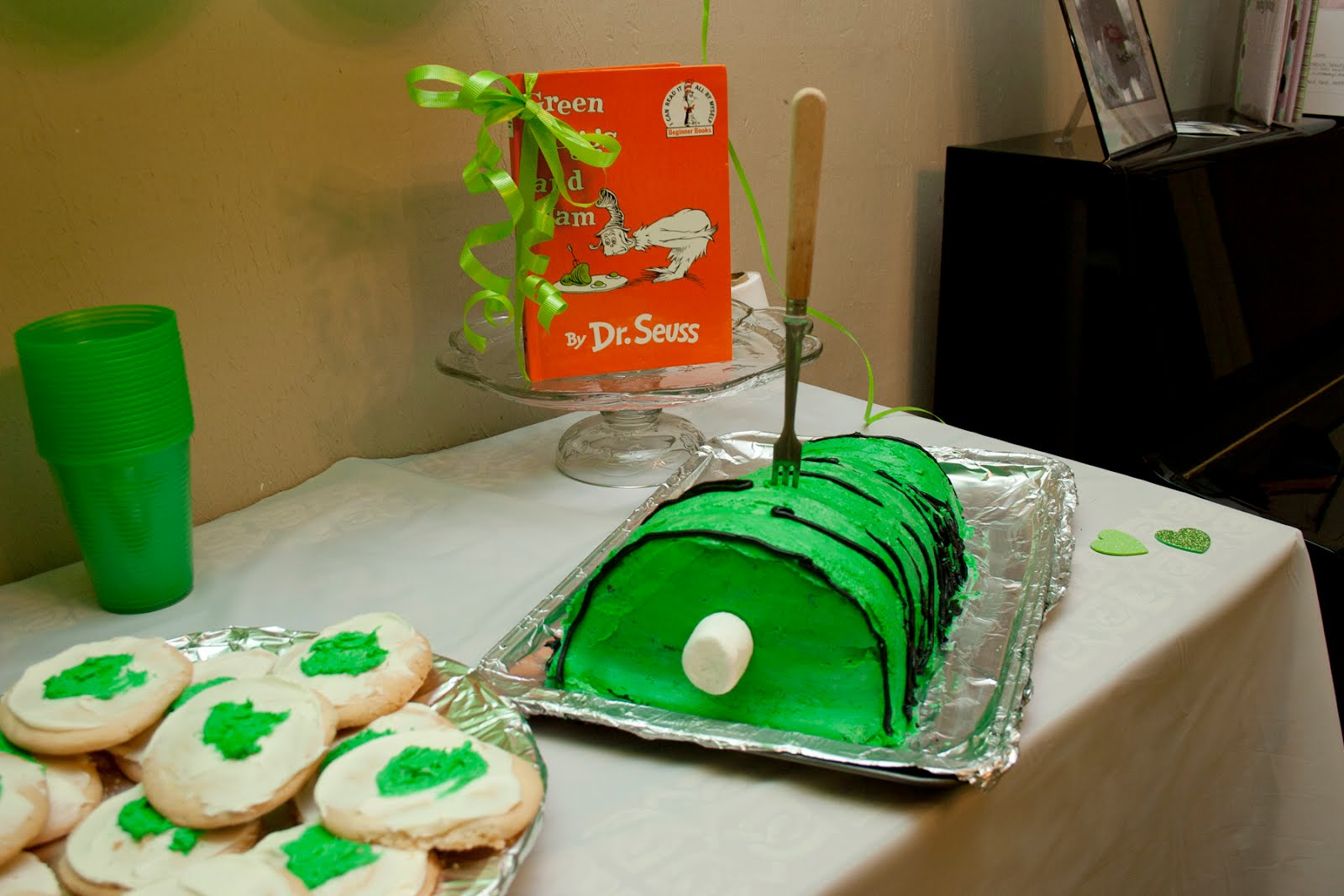 Green Eggs and Ham Party - Messymom