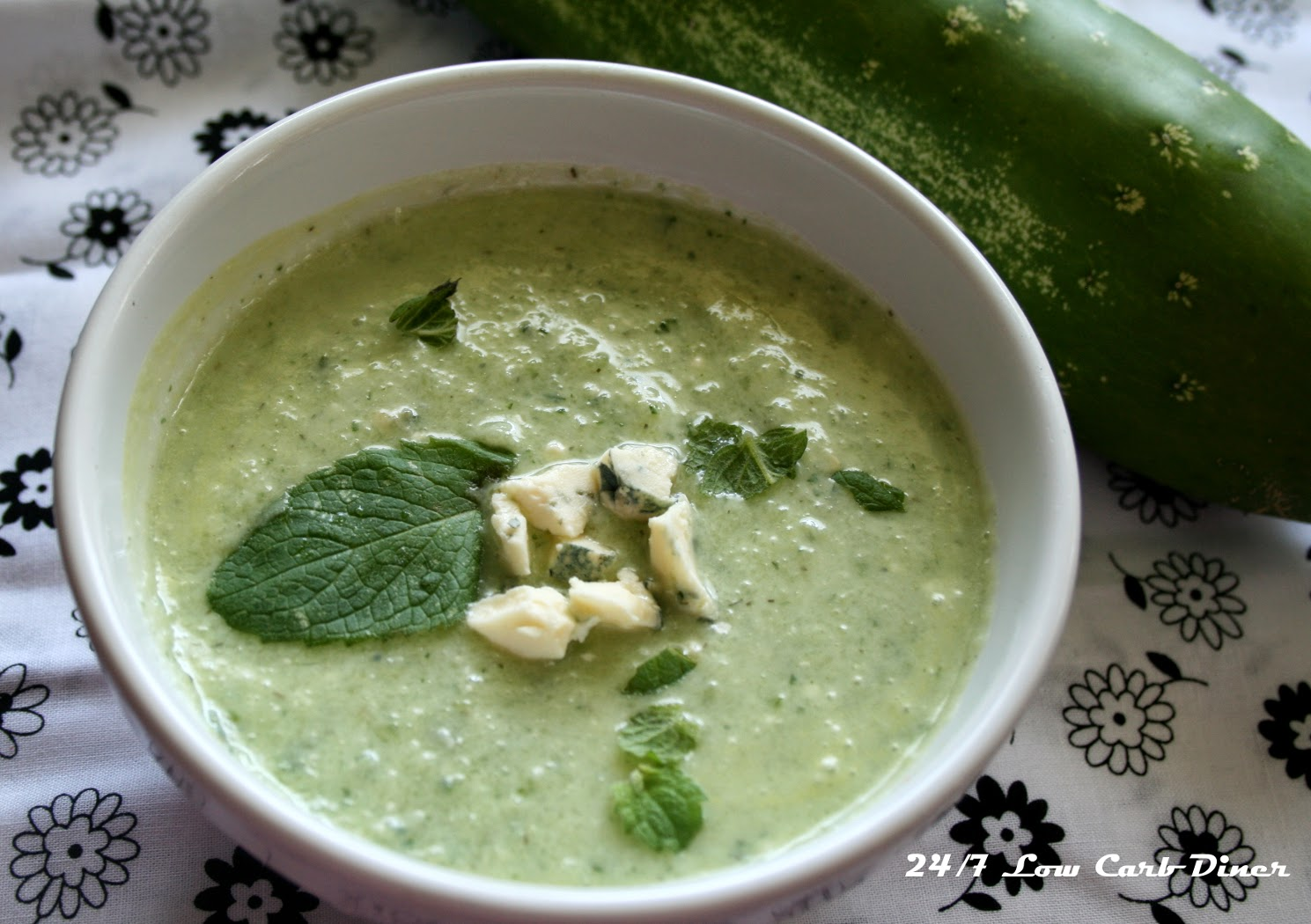 24/7 Low Carb Diner: Chillin' with Some Cold Cucumber Soup