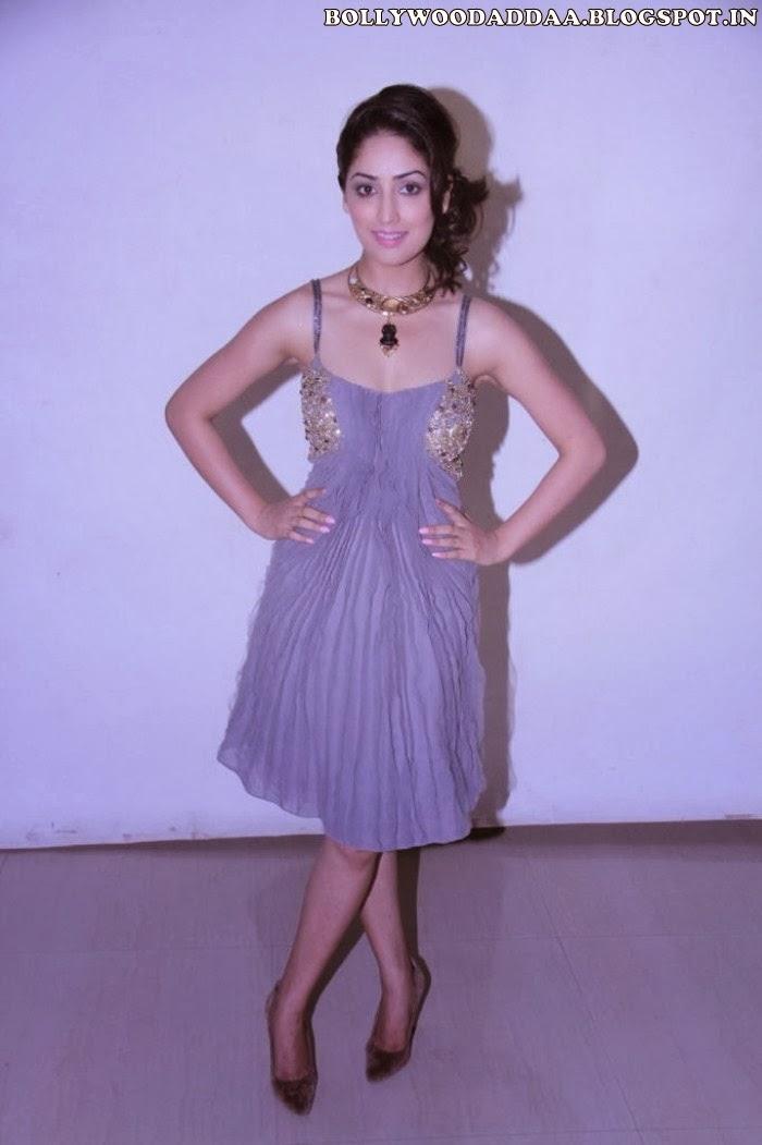 Yaami Gautam hot in saree
