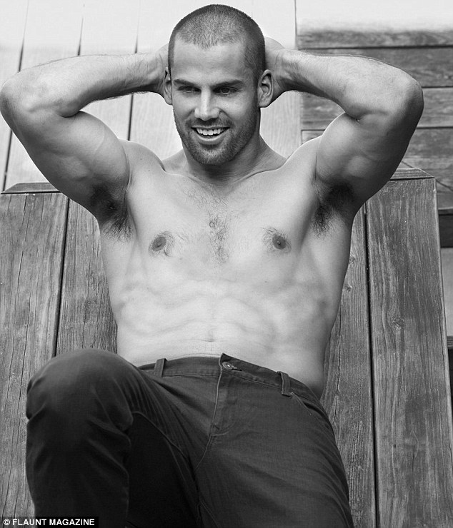 kenneth in the 212 eric decker flaunts what hes got