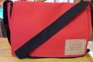 gaia messenger bag out of red fabric