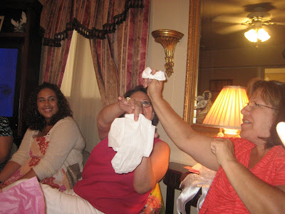 Best Bridal Shower Game ever: Toilet Paper Lingerie! I promise it'll give you and your guests TONS of laughs!