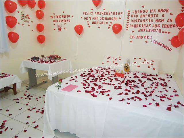 surpresa romântica para o namorado no quarto