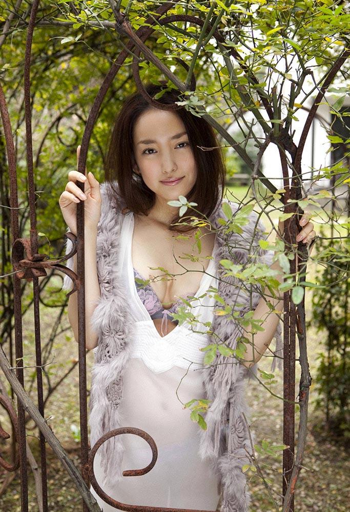 natsuko nagaike sexy bikini photos 02