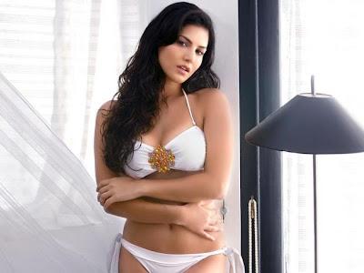 Sunny leone hot Bikini photos in Movie Jism 2