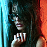 Sigue Isabella Castillo en Twitter