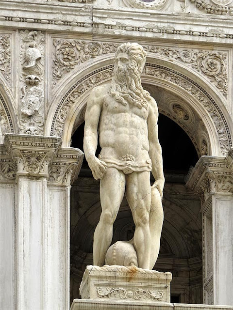 Statue of Neptune by Jacopo Sansovino, Scala dei Giganti, Giants' Staircase, Courtyard of the Doge's Palace, Venice
