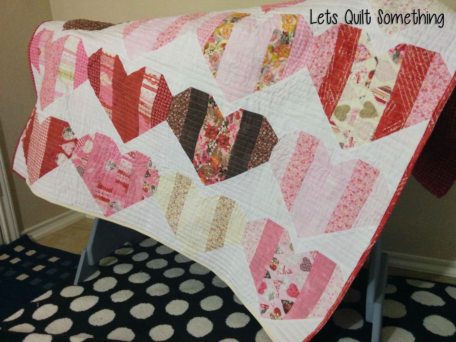 Free Quilt Patterns Using Jelly Roll Strips : Lets Quilt Something: Love Booth - Free Quilt Pattern using Jelly Roll Strips ( 2 1/2in)