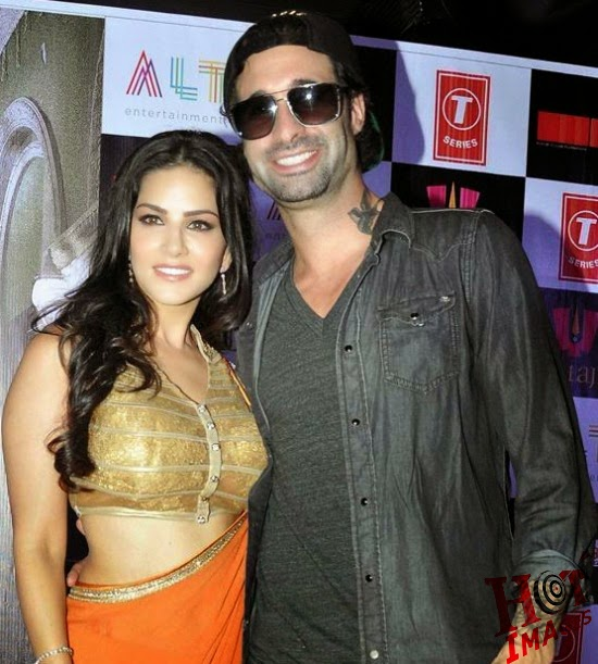 Hot Sunny Leone with her husband
