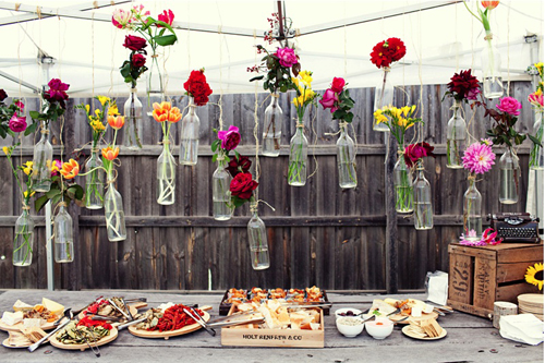 Using Frame Wire And Antique Bottles Create A Whimsical Centerpiece Any Kinds Of Tall Stem Flowers Tulips Daisies Roses Dahlias Work Well