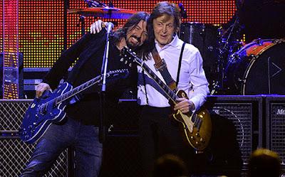 'Akhirnya aku mengerti ternyata aku berada di tengah-tengah reuni Nirvana,' ujar bassist The Beatles ini disambut ...