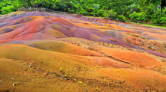 The Seven Colors Earth, Mauritius