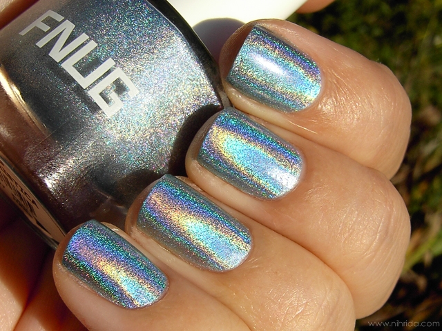 FNUG Holographic Nail Polish in Futuristica