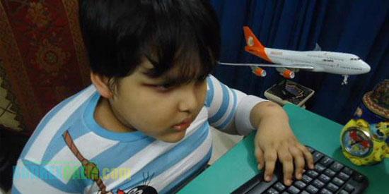 http://www.asalasah.net/2013/02/masih-kecil-jago-coding-jadi-programmer.html - Programmer Termuda Di Dunia, Berumur 6 Tahun