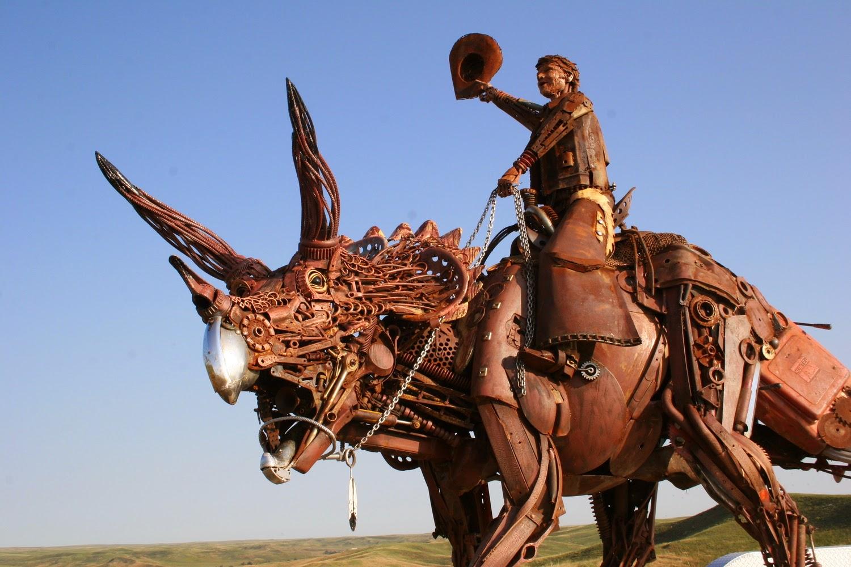 01-John-Lopez-Scrap-Iron-Animal-Sculptures-www-designstack-co