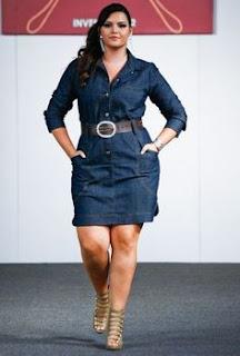 vestido jeans plus size com bolso - dicas e fotos