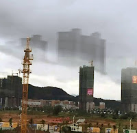 Mysterious Floating City In China: Project Blue Beam, Fata Morgana? -  Tajemnicze Pływające miasto w Chinach: Projekt Błękitna Wiązka (Blue Beam), Fata Morgana?