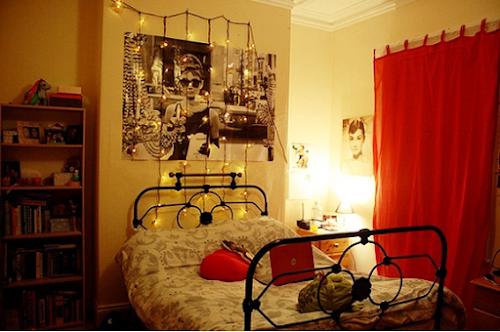 Decoração: Luzes no quarto.