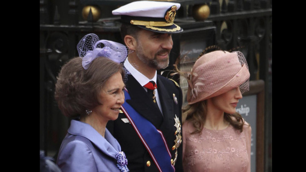princess letizia of spain wedding dress. princess letizia of spain bio
