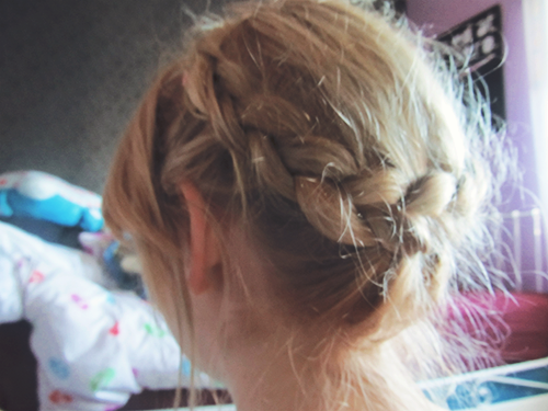 Frozen Queen Elsa Milkmaid Braid