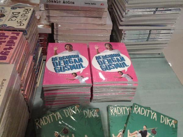 Buku Bergumul Dengan Gus Mul