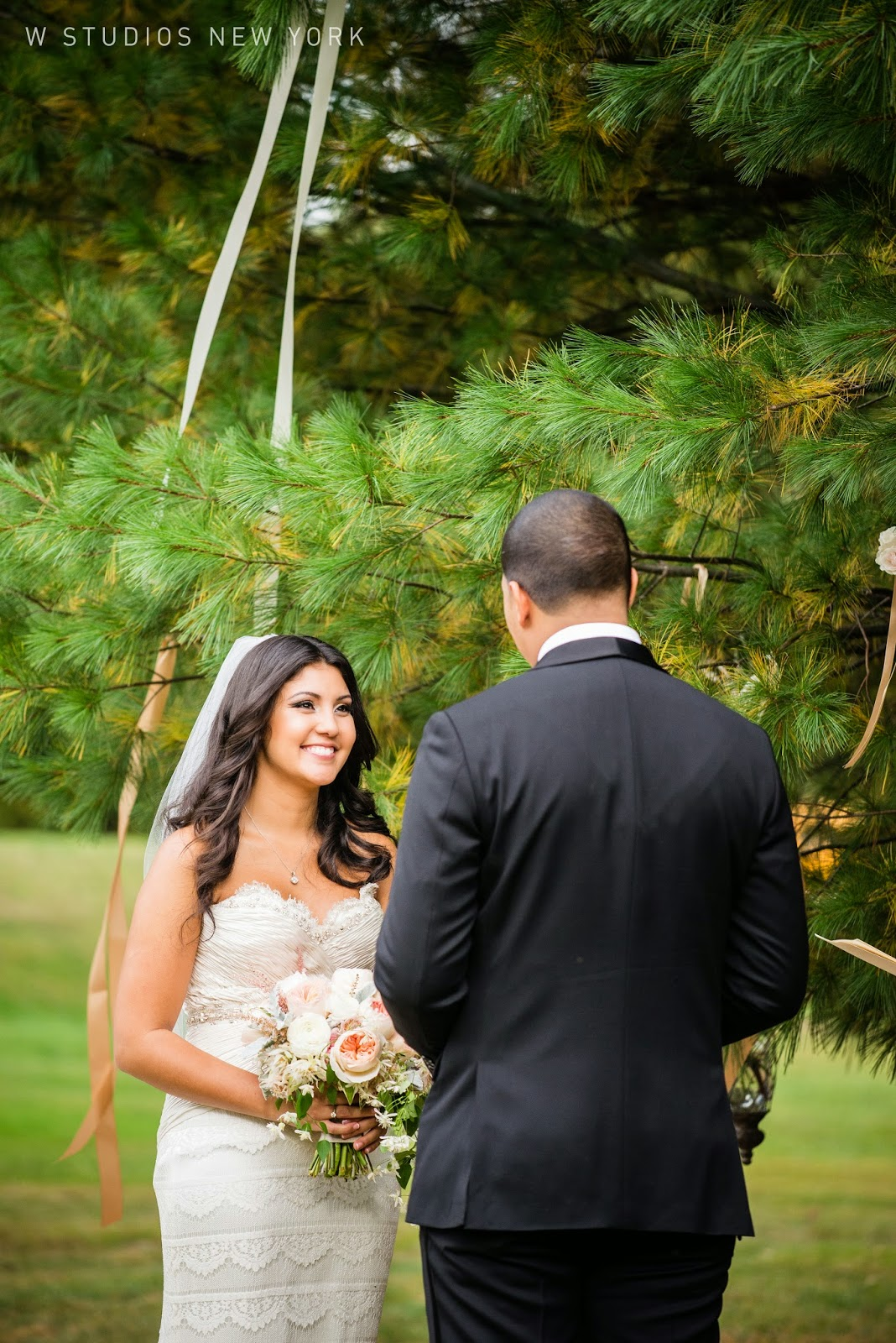 Highlands Club Wedding - Hudson Valley NY Weddings - Ceremony Flowers - Splendid Stems Floral Designs