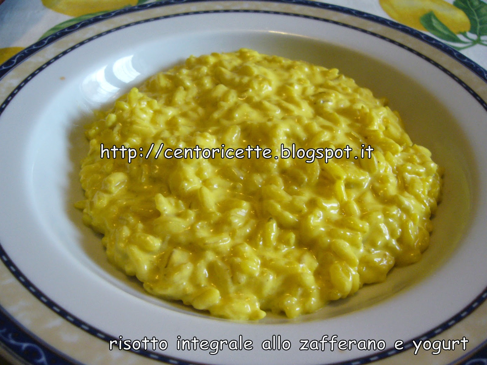 Risotto integrale allo zafferano e yogurt