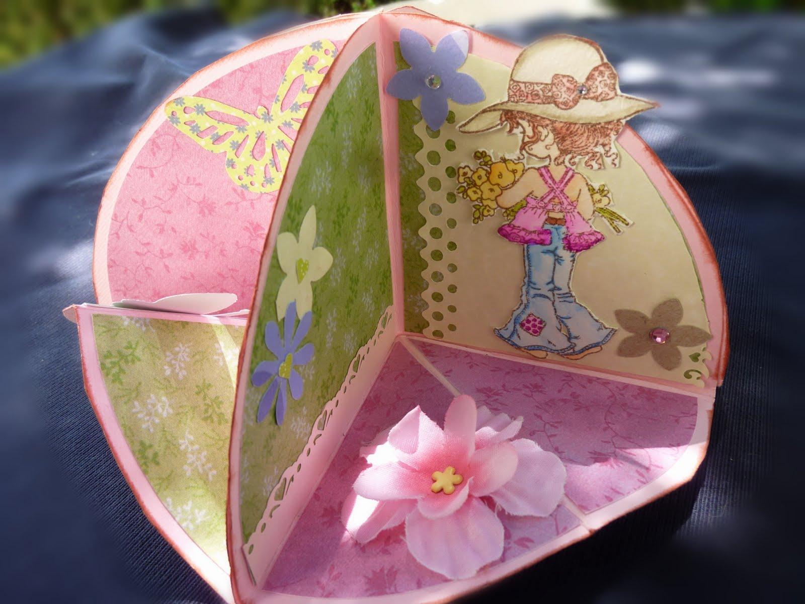 Il giardino incantato di alice it 39 s spring again round card - Il giardino di alice ...