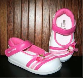 Sepatu Anak Perempuan Warna Pink Kombinasi Putih Lucu
