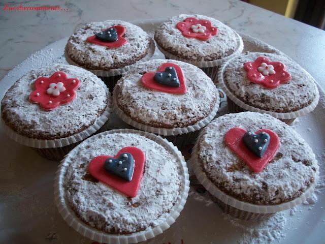 Muffin alle nocciole e gocce di cioccolato